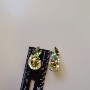 VNTG Sarah Coventry green rhinestone clip ons